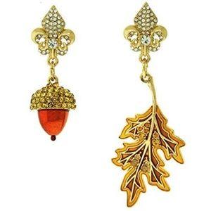 Fall Acorn Oak Leaf Dangle Drop Earrings(Goldtone)